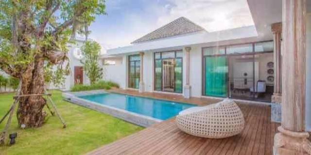 Elegant Chalong Private Pool Villa for Sale Image by Phuket Realtor