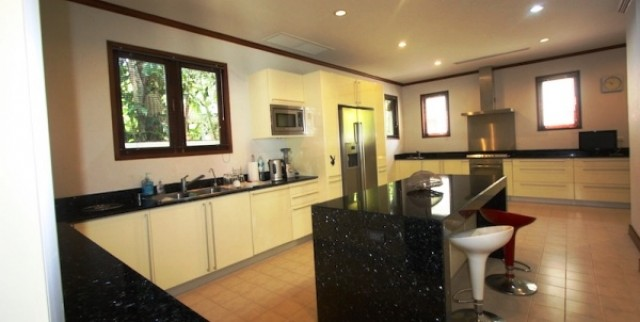 Sai Taan Four Bedroom Private Pool Villa for Sale Image by Phuket Realtor