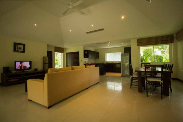 Kathu Golf Course Villa 2+1 Bedroom for Sale Image by Phuket Realtor
