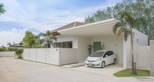 Irresistible Three Bedroom Pool Villa for Sale Image by Phuket Realtor
