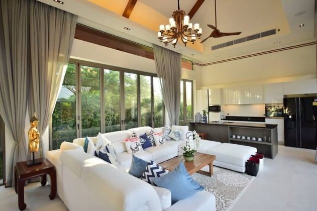 Juicy Four Bedroom Lake Front Villa for Sale Image by Phuket Realtor