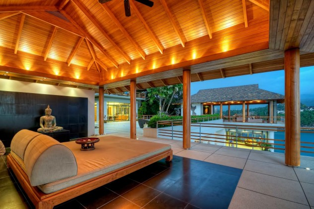 Sensational Ocean Front Luxury Pool Villa in Jomchang Estate Up for Sale Image by Phuket Realtor