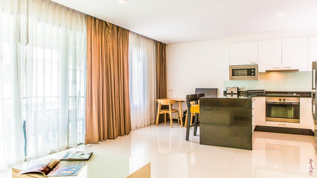 Gigantic One Bed Apartment for Sale in Thailand Image by Phuket Realtor
