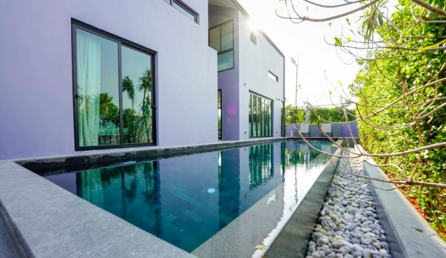 Delightful Bang Tao Four Bedroom Pool Villa for Sale Image by Phuket Realtor